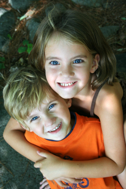 Bro_and_sis_2